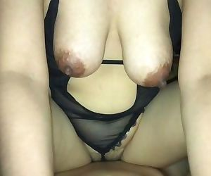 35 YEAR OLD THAI MOM IN SEXY..