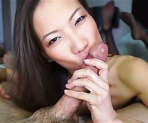 Sexy asian cocksucker works..